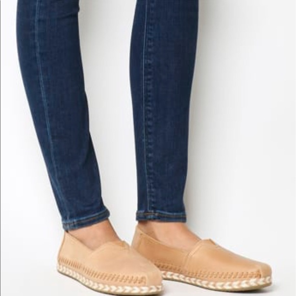01a5e173583 TOMS Honey Leather Women s Espadrilles. M 5bb76436619745bed90ab6ef
